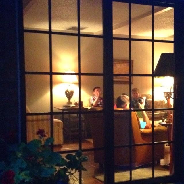 11212015_kristenstrong_window